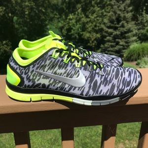 Nike Free TR Connect 2  Women's size 8
